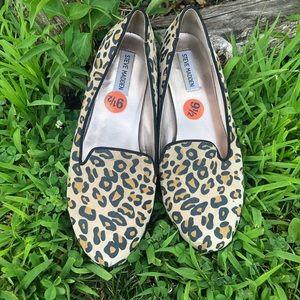 STEVEN MADDEN leopard print leather flats